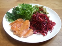 Summer-lunch-salads-with-salmon